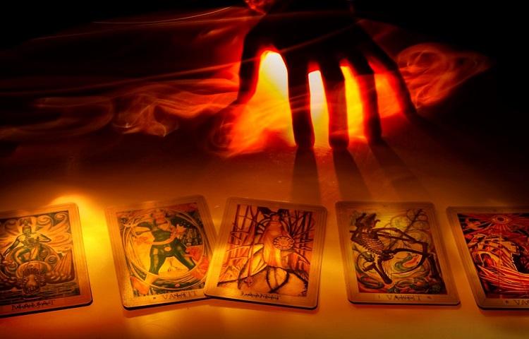 read own tarot
