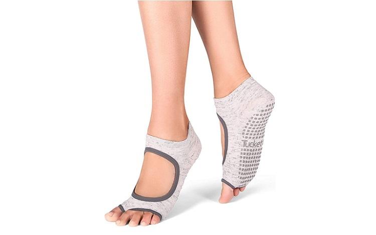 Tuckett's Yoga Socks Review